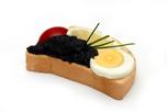 Fekete kaviráros szendvics