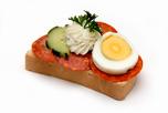 Paprik�s szal�mis szendvics